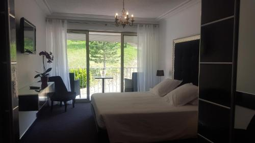 Hôtel Les Deux Lions : Hotel near Bras-d'Asse