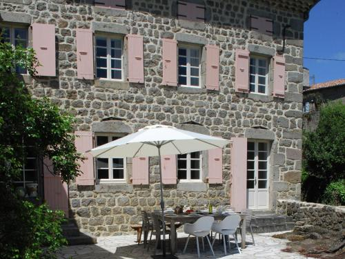 Maison de vacances - Saint Etienne De Serre : Guest accommodation near Saint-Sauveur-de-Montagut