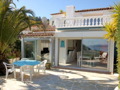 Villa Theoule : Guest accommodation near Théoule-sur-Mer