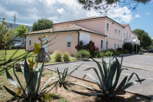 Quick Palace St Jean De Vedas - A709 : Hotel near Lavérune