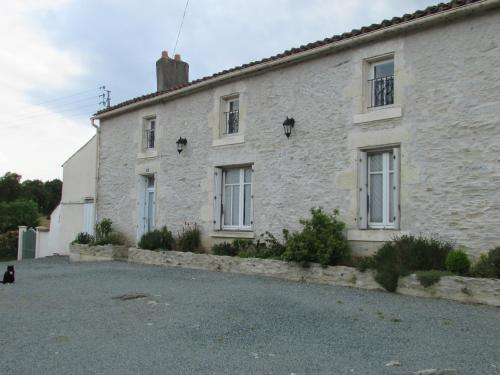 Les Puvinieres : Guest accommodation near Saint-Paul-en-Gâtine