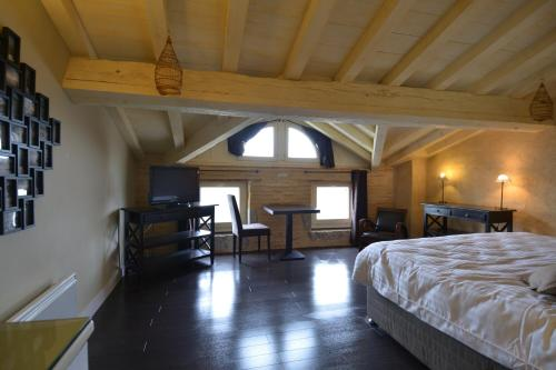Quai 36 : Hotel near Saint-Pardoux-du-Breuil