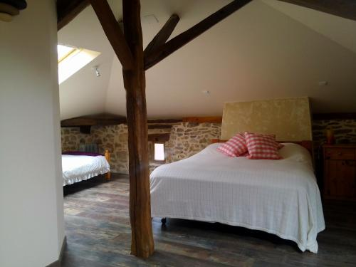 Cheronnac house and Meadow : Guest accommodation near Saint-Bazile