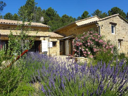 Le Barua's : Guest accommodation near Saint-Julien-de-Peyrolas