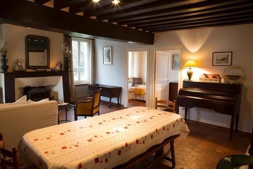 Le Relais du Lion d'Or : Guest accommodation near Ronchères