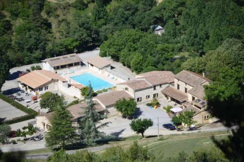 Le Chambron : Apartment near Valouse