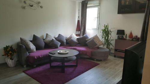Cite Espace Apartment : Apartment near Mons