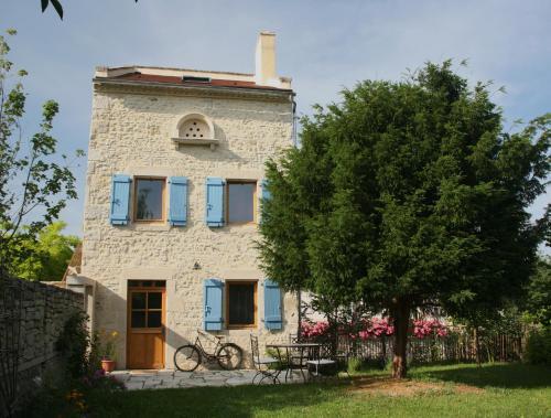 Gîte le Vieux Vélo : Guest accommodation near Saint-Priest-d'Andelot