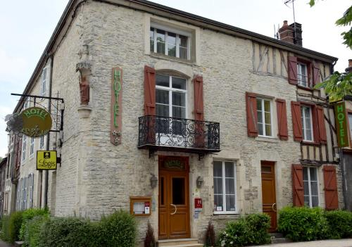 Logis Le Saint Nicolas : Hotel near Juzennecourt