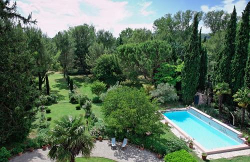 Le Domaine de Saint Veran : Bed and Breakfast near Plan-d'Orgon