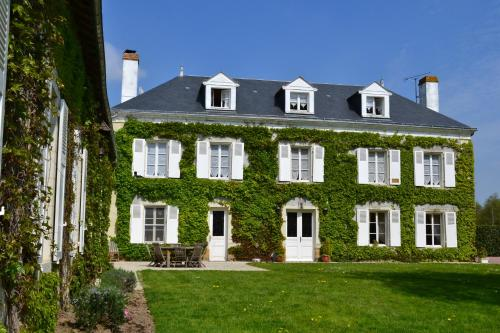 Le Domaine des Bois : Bed and Breakfast near Luzay