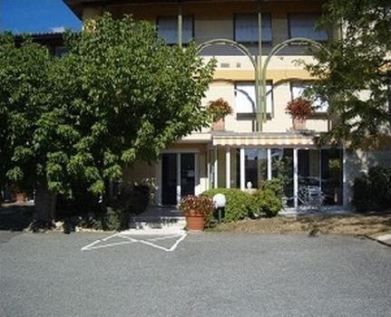 Hotel des Fleurs : Hotel near Virazeil