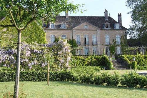 Chateau de Villette : Bed and Breakfast near Étang-sur-Arroux