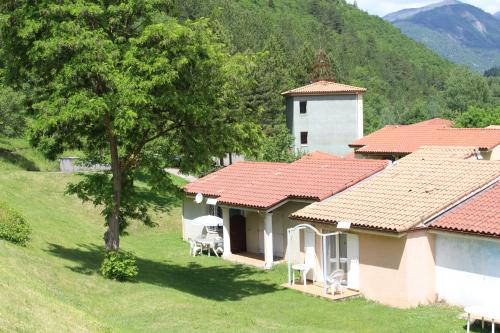 Le Vallon Des Sources : Guest accommodation near Mézel