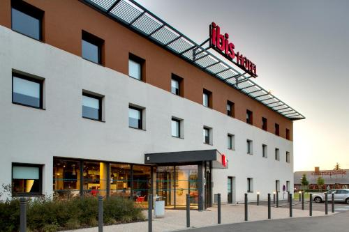 ibis Montceau les Mines : Hotel near Blanzy