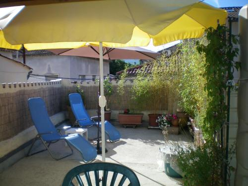 T2 dans maison de village : Apartment near Montdardier