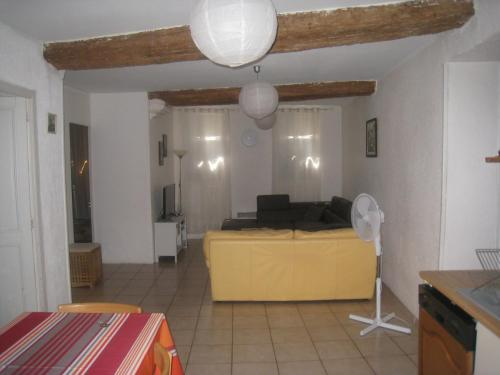 Apartment Rue Saint Francois de Paule : Apartment near Pia