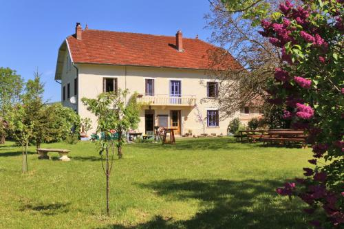 Goute la vie : Bed and Breakfast near Serrières-de-Briord
