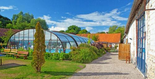 Camping De La Ferme Des Aulnes : Guest accommodation near Dominois
