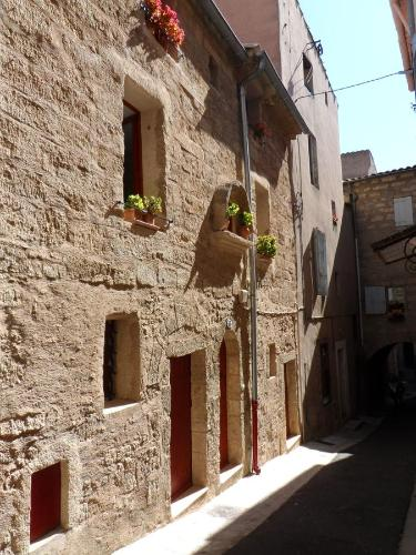 La Ruche and Le Pot de Miel : Guest accommodation near Montagnac