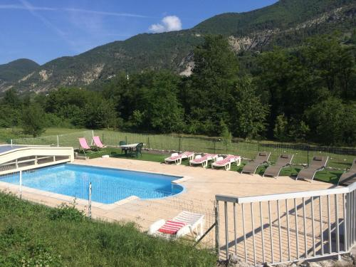 Les 2 Alpes SPA : Bed and Breakfast near Roquestéron-Grasse