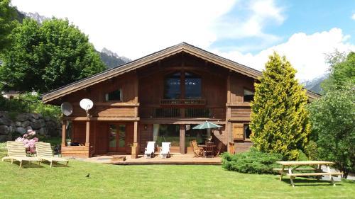 Chalet Charmilles : Guest accommodation near Chamonix-Mont-Blanc