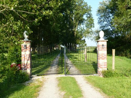 Paardenhof Guesthouse : Bed and Breakfast near Cappelle-Brouck
