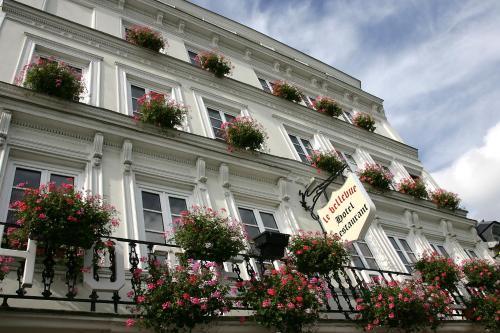 Hôtel le Bellevue : Hotel near Moulineaux