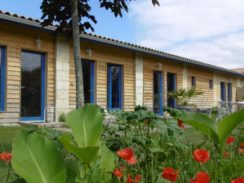 La Cadournaise : Bed and Breakfast near Saint-Christoly-Médoc