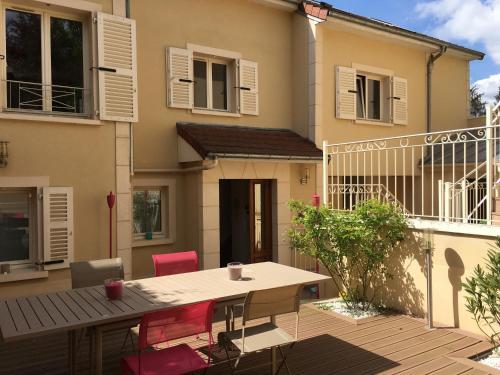 Villa Marie Charlotte : Apartment near Noisy-le-Roi