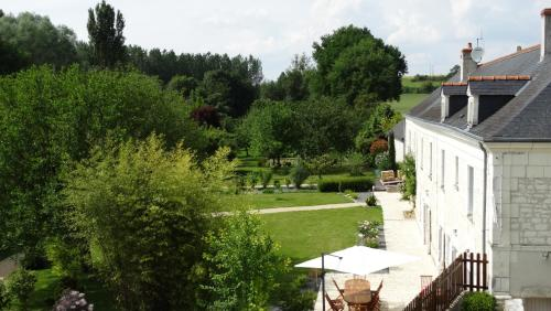 Moulin de reigner : Bed and Breakfast near Chaveignes