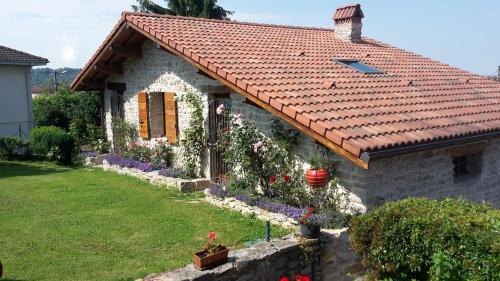 Le Grangeon 01 : Guest accommodation near Saint-Rambert-en-Bugey
