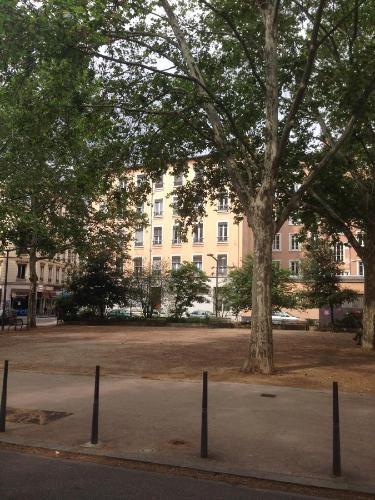 Part Dieu Guichard Crequi Studio Mezzanine : Apartment near Lyon 3e Arrondissement