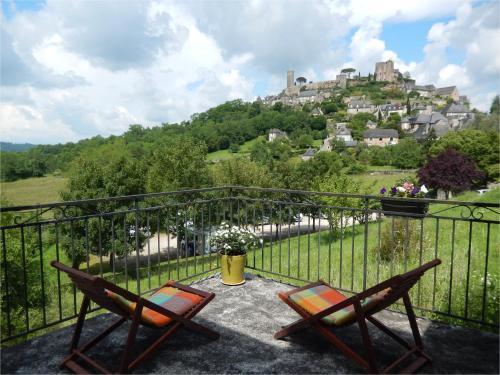 Luciole : Guest accommodation near Jugeals-Nazareth