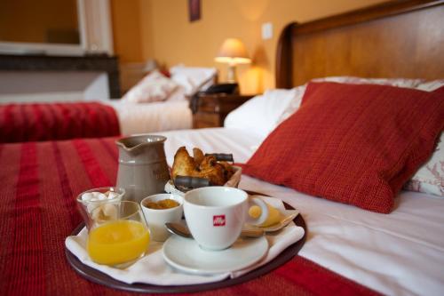 L'Alzire - Auberge Culturelle : Hotel near Gartempe