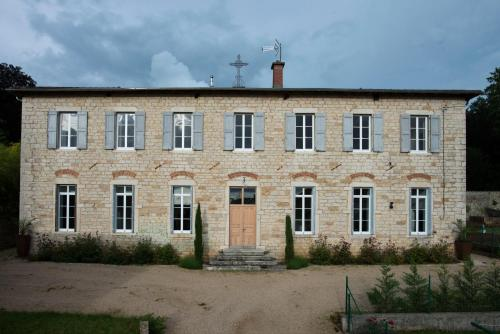 Le Cercle : Bed and Breakfast near Bény