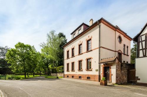 Chambre d'hôtes Du côté des remparts : Guest accommodation near Mothern