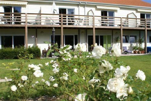 Hotel The Originals Les Jardins d'Ulysse (ex Relais du Silence) : Hotel near Montreuil