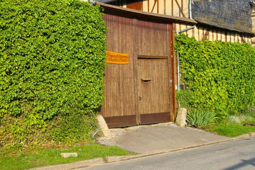 Domaine de Regnonval : Bed and Breakfast near Glatigny