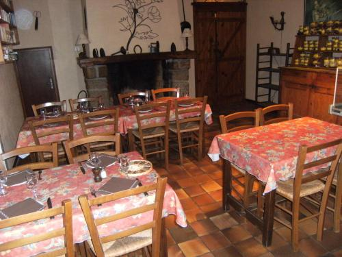 Mas Lluganas : Bed and Breakfast near Urbanya