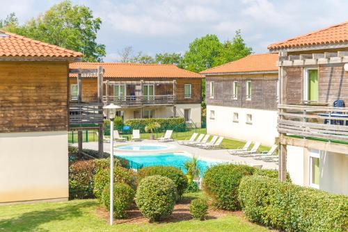 Lagrange Vacances Les Terrasses du Lac : Guest accommodation near Saint-Paul-en-Born