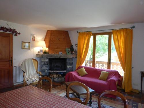 Maison Perce Neige : Guest accommodation near Saint-Pons