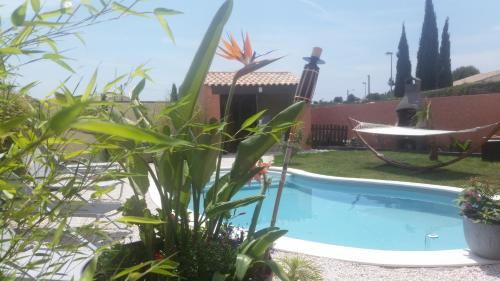 Villa Alyzea : Bed and Breakfast near Pinet