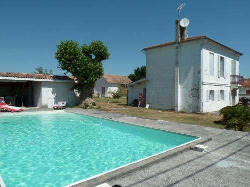 Mamina : Guest accommodation near Saint-Seurin-de-Cadourne