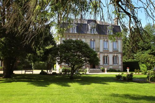 Manoir Le Mesnil : Bed and Breakfast near Tourville-en-Auge