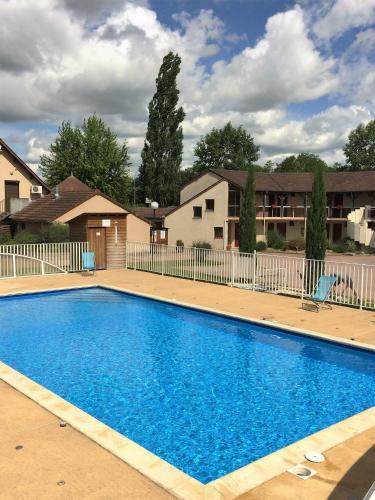 Delfotel : Hotel near Varenne-l'Arconce