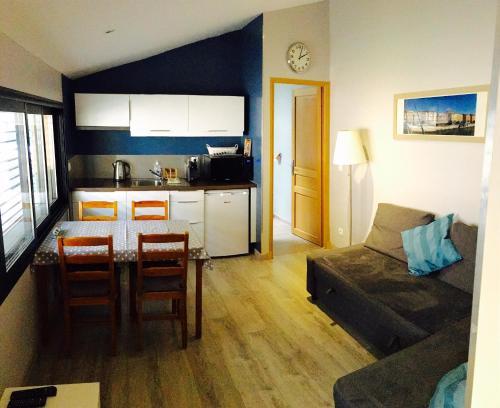 Maison d'hôtes Côté Saône : Guest accommodation near Poleymieux-au-Mont-d'Or