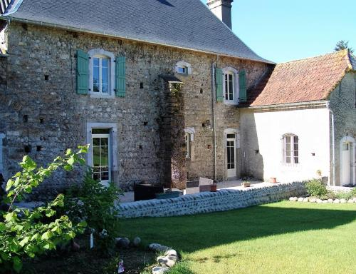 Le Buala Maison d'Hôtes : Bed and Breakfast near Tarbes