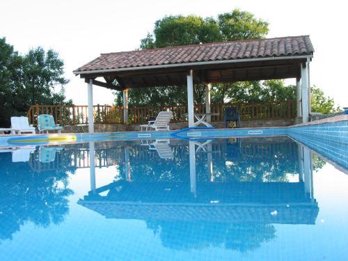 Maison de famille quercynoise : Guest accommodation near Villesèque