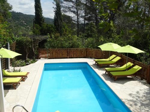 La douceur d'un jardin : Bed and Breakfast near Callas